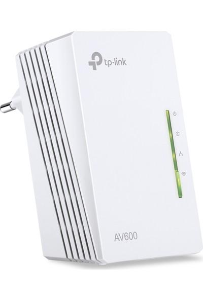 TP-LINK TL-WPA4220 AV600 300 Mbps Kablosuz Tak Kullan 2 LAN Portlu 300 Metre Mesafeli Menzil Genişletici EK Powerline Adaptör