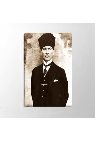 Piri Sanat Atatürk Takım Elbiseli Kanvas Tablo