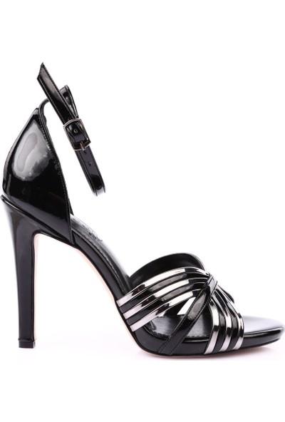 Beety 105 Kadın Bilekten Bağlı İnce Topuklu Ayakkabı Siyah