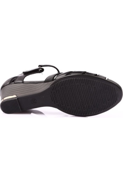 Venüs 1360Y Kadın Sandalet Ayakkabı Siyah