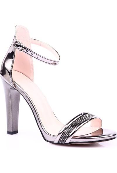 Beety 1924 Kadın Silver Taşlı Tek Bant Bilekten Bağlı İnce Topuklu Ayakkabı Platin