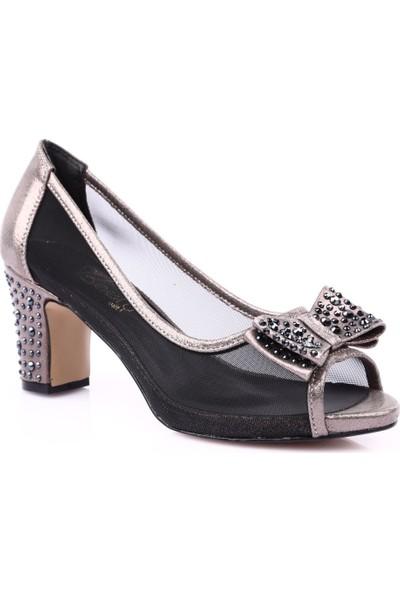 Beety 9957 Kadın Burnu Açık Kurdelalı Yanı Transparan Taşlı Topuklu Ayakkabı Platin