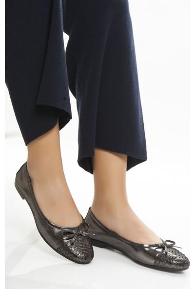 Tarçın Hakiki Deri Platin Sim Kadın Babet Ayakkabı Trc53-0002