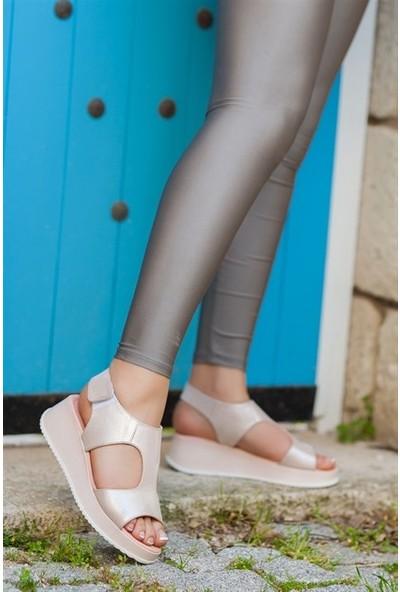 Tarçın Hakiki Deri Pudra Simli Günlük Kadın Dolgu Sandalet Ayakkabı Trc66-5015