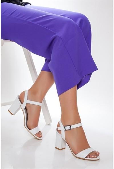 Tarçın Hakiki Deri Klasik Beyaz Günlük Kadın Topuklu Ayakkabı Trc71-0032