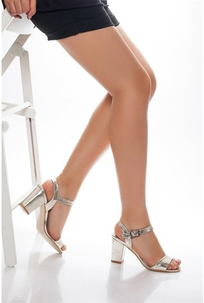 Tarçın Hakiki Deri Klasik Altın Günlük Kadın Topuklu Ayakkabı Trc71-0032