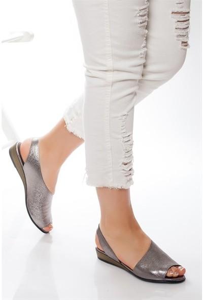 Tarçın Hakiki Deri Platin Günlük Kadın Sandalet Ayakkabı Trc76-0051