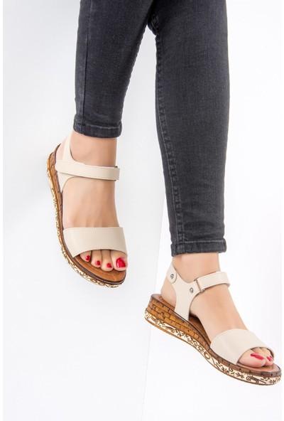 Fox Shoes Bej Kadın Sandalet F288061309