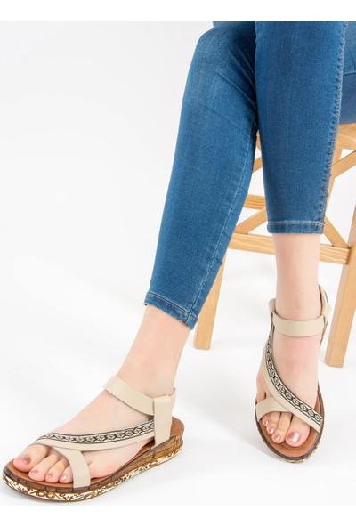 Fox Shoes Bej Kadın Sandalet F288091009