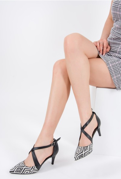 Fox Shoes Siyah Beyaz Siyah Kadın Topuklu Ayakkabı F654009109