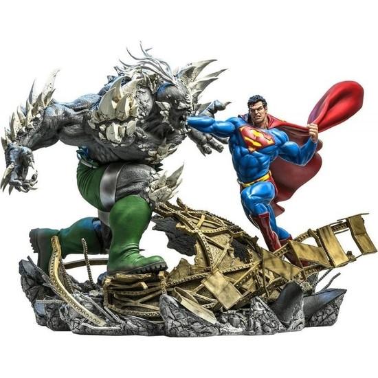 Iron Studios Superman Vs Doomsday Battle Diorama