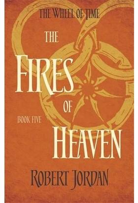 The Wheel Of Time 5: The Fires Of Heaven - Robert Jordan