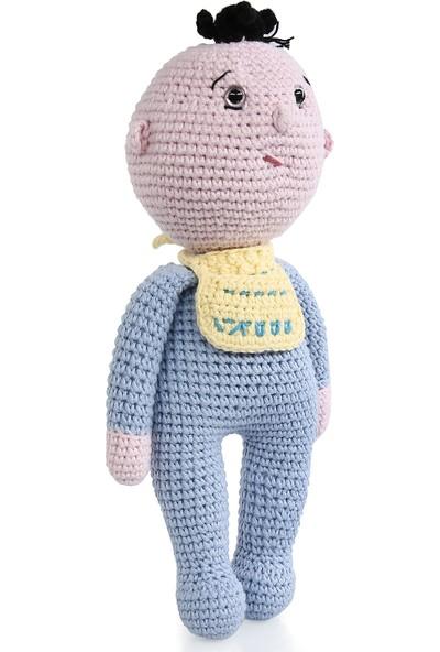 Amigurumi Atölyesi Önlüklü Erkek Bebek Amigurumi