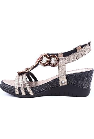 Guja 19Y275-5 Kadın Dolgu Taban T-Strap Boncuklu Sandalet Bakır
