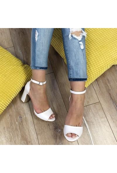 Mio Gusto Tammy Beyaz Topuklu Ayakkabı