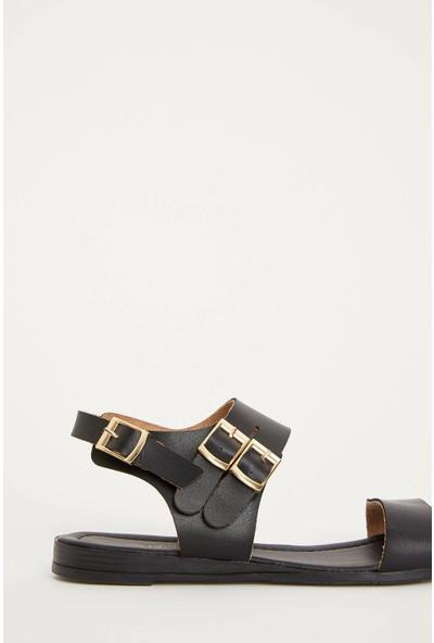 Defacto Kadın Tokalı Sandalet