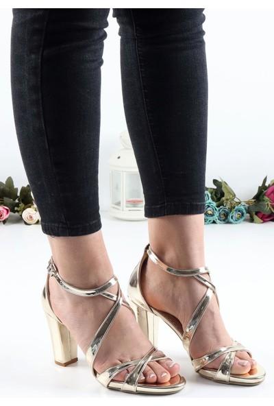 Föz 009 Dore Çapraz Bant Kadın Topuklu Ayakkabı
