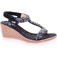 Dgn 1016 Kadın Asimetrik T-Strap Kesme Taşlı Dolgu Taban Sandalet Siyah