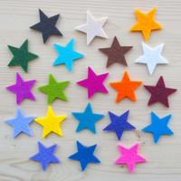Keçeden 4,5 cm. Renkli Yıldız Figürleri 50 Adet