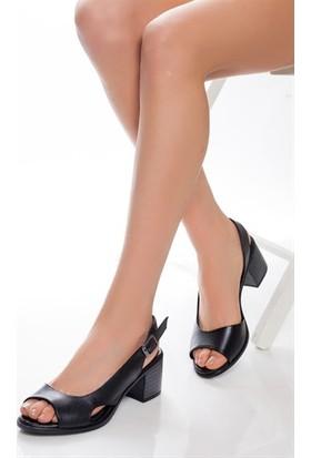 Tarçın Deri Günlük Kadın Siyah Topuklu Ayakkabı TRC77-4603