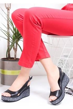 Tarçın Deri Günlük Kadın Siyah Dolgu Ayakkabı TRC77-5001