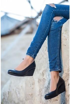 Tarçın Deri Günlük Siyah Kadın Dolgu Ayakkabı TRC50-0274