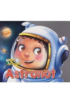 Ben Kimim-Astronot