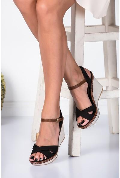 Fox Shoes Siyah Kadın Dolgu Topuklu Ayakkabı 9674040205