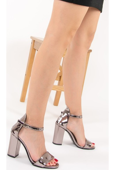 Fox Shoes Platin Kadın Topuklu Ayakkabı F283283034