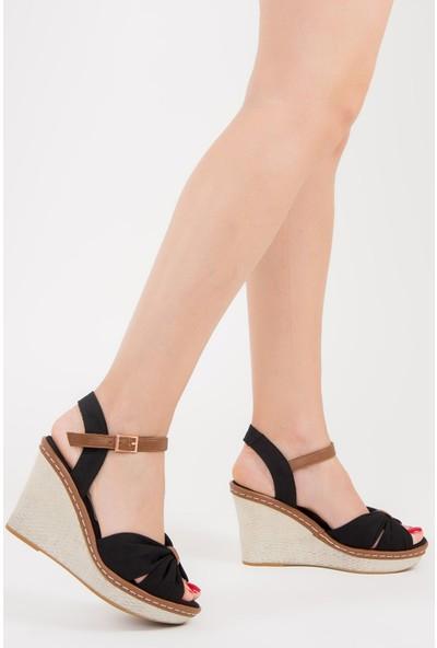 Fox Shoes Siyah Kadın Dolgu Topuklu Ayakkabı F674040405