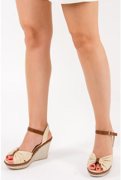 Fox Shoes Bej Kadın Dolgu Topuklu Ayakkabı F674040405
