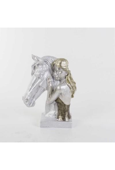 Piyop At Ve Kız Biblosu İnci Rengi 25 x 12 x 34 cm