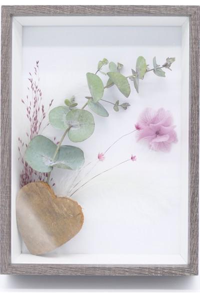 Kuru ve Şoklanmış Çiçeklerle Tasarlanan Çerçeve