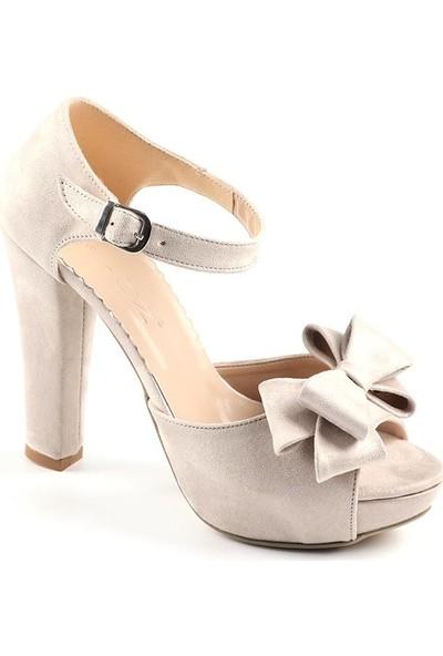 Föz Bej Süet Fiyonklu Kadın Topuklu Ayakkabı