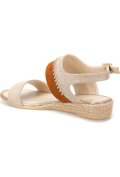Butigo 19S-270 Bej Kadın Sandalet