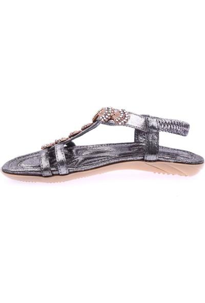 Guja 19Y250-2 Kadın T-Strap Deniz Kabuğu Taşlı Sandalet Gri