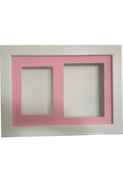 Küçük İzler Beyaz Resimli Çerçeve ( 25 x 35 Cm )