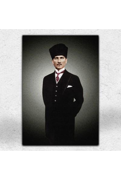 İyi Olsun Kalpaklı Atatürk Portresi Dekoratif Kanvas Tablo