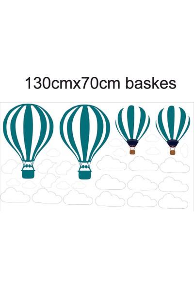 Pratikolay Bulutlar Arasinda Ucan Hava Balonu Duvar Sticker