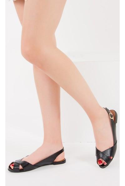 Fox Shoes Siyah Kadın Sandalet 9726106609