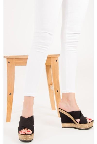 Fox Shoes Siyah Kadın Terlik F674072005