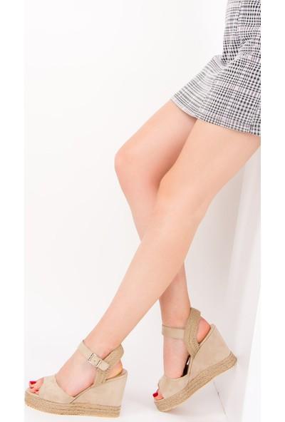 Fox Shoes Bej Kadın Dolgu Topuklu Ayakkabı F735005202