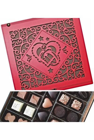 Çikolata Marketi Kalp İçinde Yüzük Desenli Kırmızı Ahşap Kutulu Hediyelik Kız İsteme Çikolatası