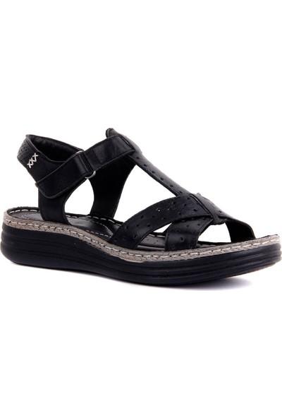 Sail Laker's Siyah Deri Kadın Sandalet