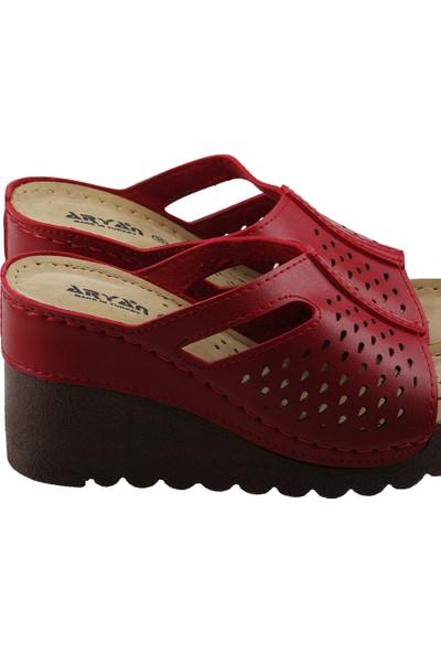 Aryan T26-284 Günlük 8 cm Topuk Anatomik Kadın Terlik Kırmızı