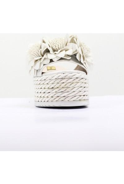 Nellson Jackson Funem Beyaz Yüksek Ökçeli Beyaz Çiçekli Yazlık Terlik