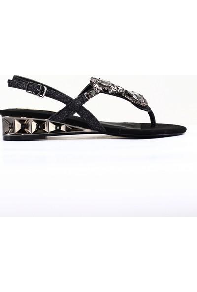 Nellson Jackson Meridiem Super Stylish Yazlık Deri Taşlı Parmak Arası Kadın Sandalet