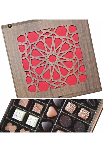 Çikolata Marketi Selçuklu Yıldızı Desenli Ahşap Kutulu Hediye Çikolata