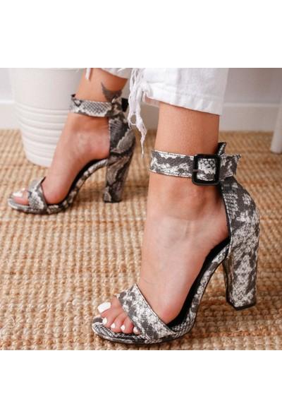 Limoya Lauryn Siyah Yılan Kalın Tek Bantlı Kalın Ökçeli Ayakkabı