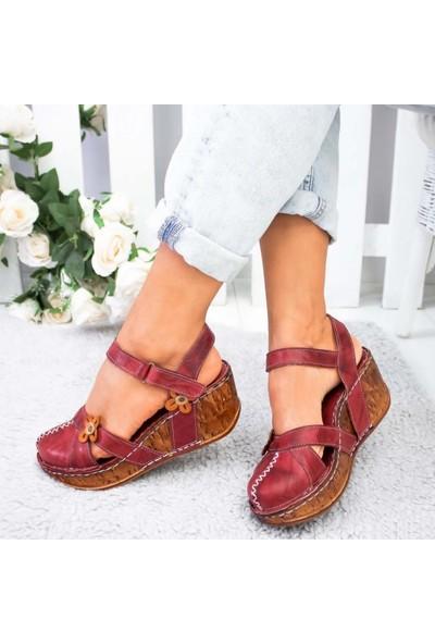 Limoya Katlyn Bordo Hakiki Deri Çiçek Detaylı Burnu Kapalı Dolgu Topuklu Sandalet